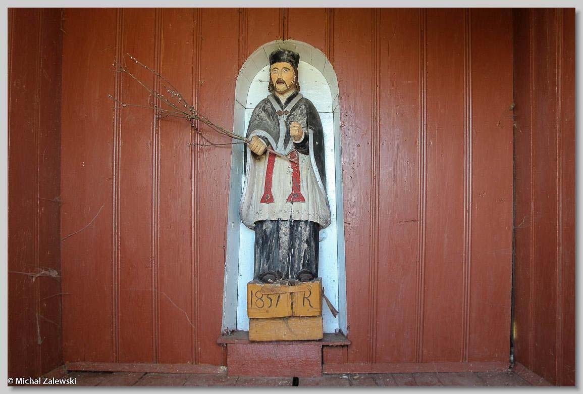 Rzeźba św. Jana Nepomucena z 1857 r. w kapliczce w Dryszczowie